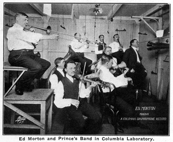Eddie Morton before the recording horn in 1915
